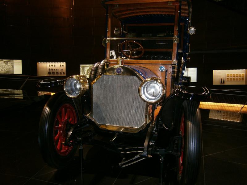 Im Mercedes-Benz Museum P9210033