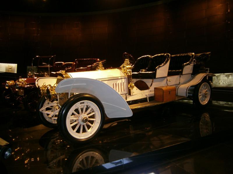 Im Mercedes-Benz Museum P9210034