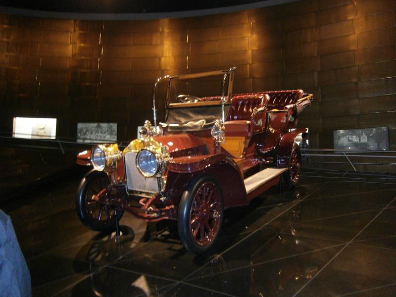 Im Mercedes-Benz Museum P9210036