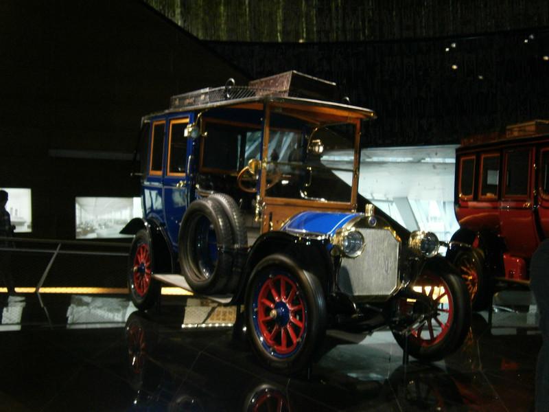 Im Mercedes-Benz Museum P9210041