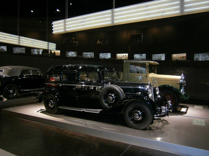 Im Mercedes-Benz Museum P9210048