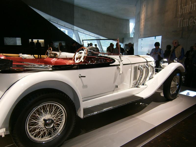 Im Mercedes-Benz Museum P9210049