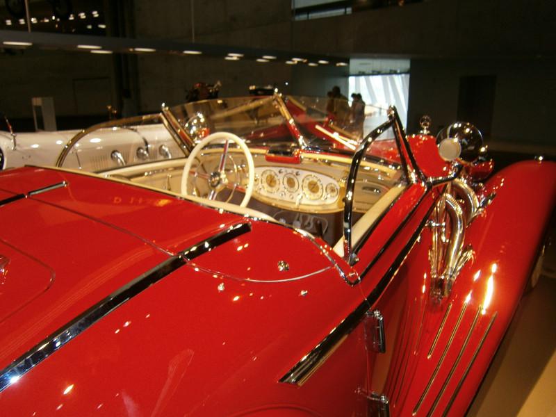 Im Mercedes-Benz Museum P9210051