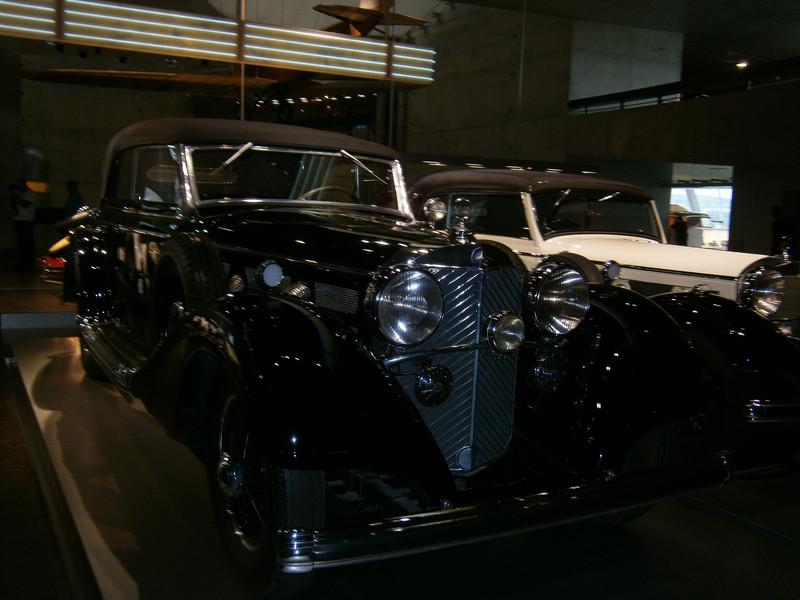 Im Mercedes-Benz Museum P9210056