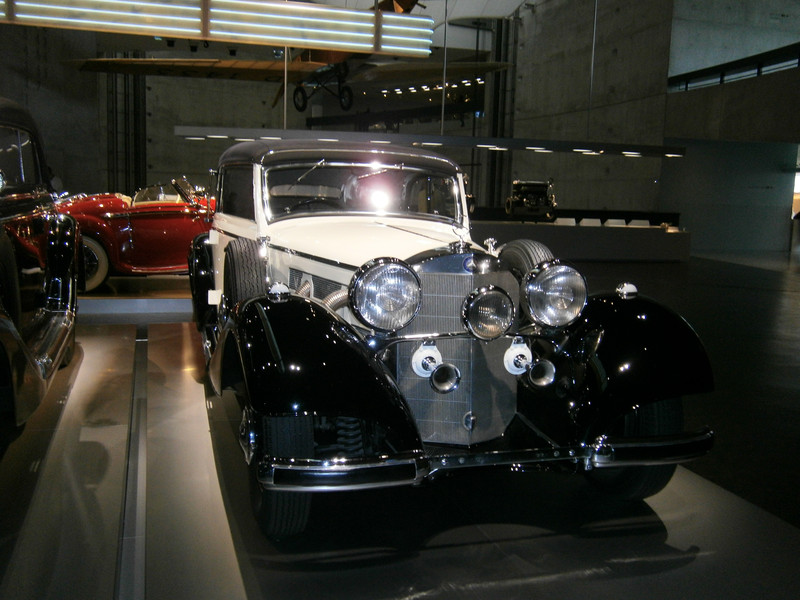 Im Mercedes-Benz Museum P9210057