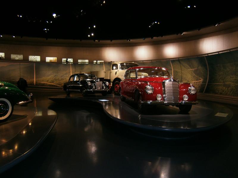 Im Mercedes-Benz Museum P9210058