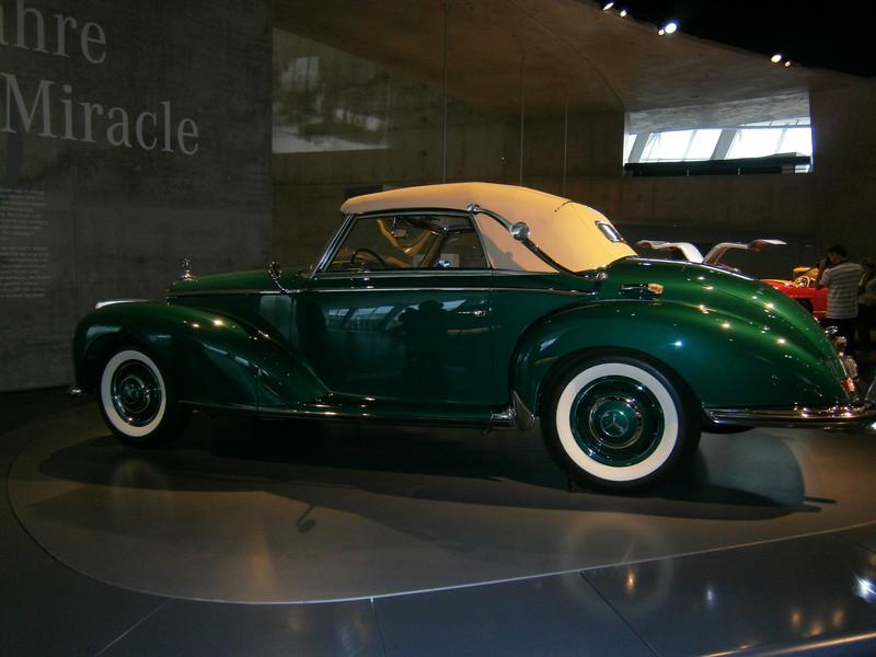 Im Mercedes-Benz Museum P9210059