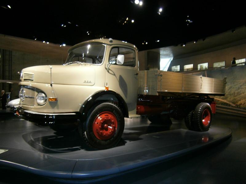 Im Mercedes-Benz Museum P9210062