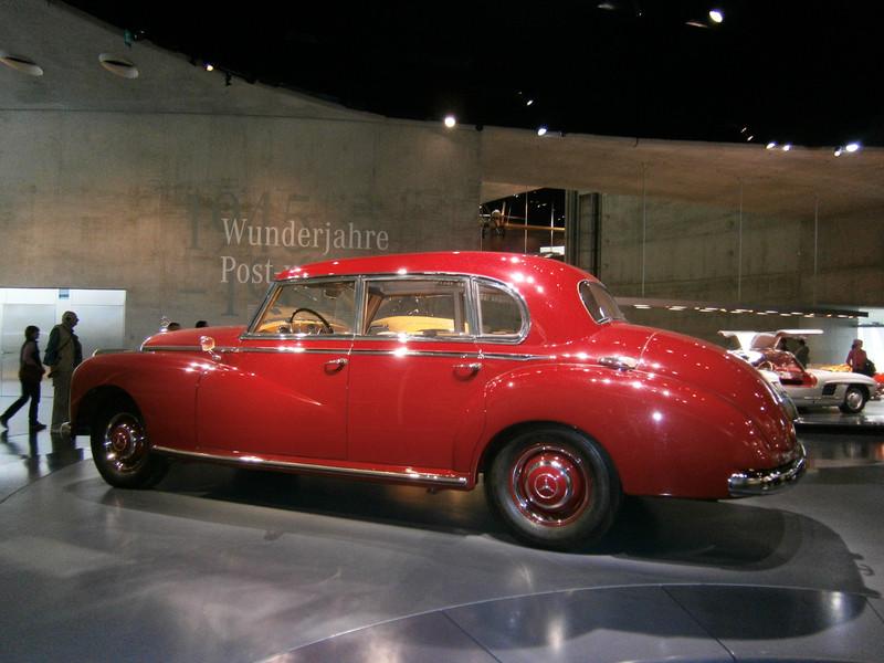 Im Mercedes-Benz Museum P9210063