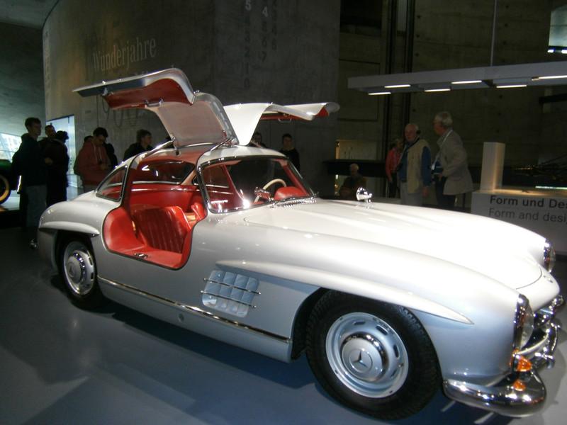 Im Mercedes-Benz Museum P9210067