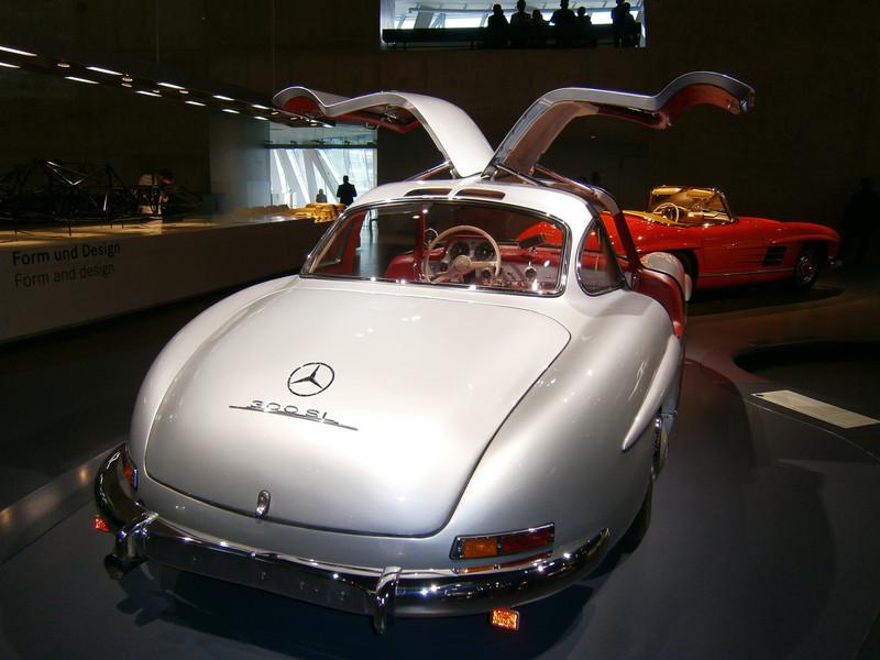 Im Mercedes-Benz Museum P9210068