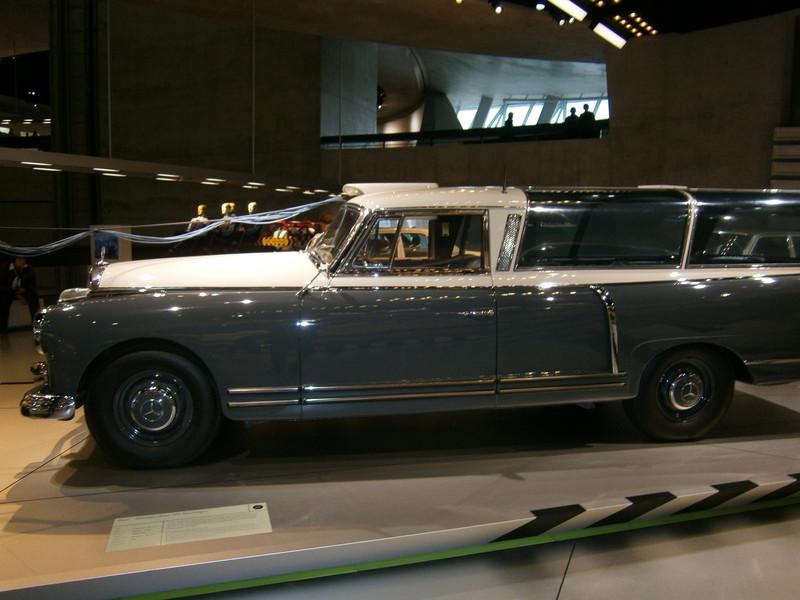 Im Mercedes-Benz Museum P9210069