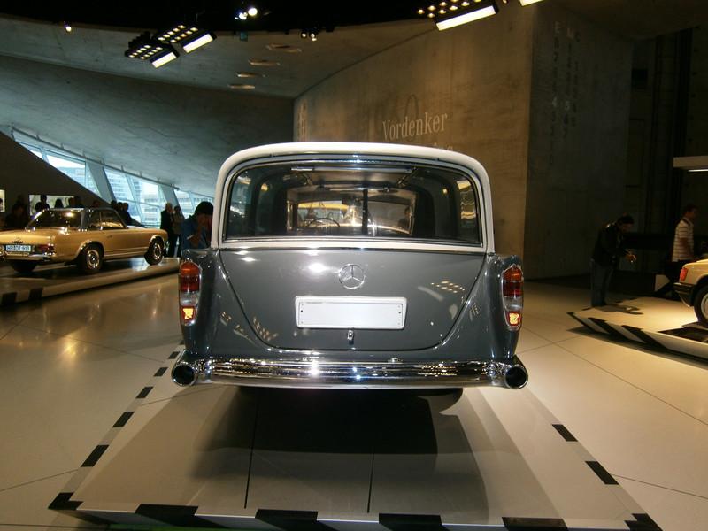 Im Mercedes-Benz Museum P9210071