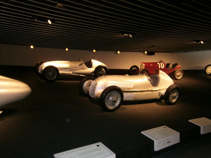 Im Mercedes-Benz Museum P9210082