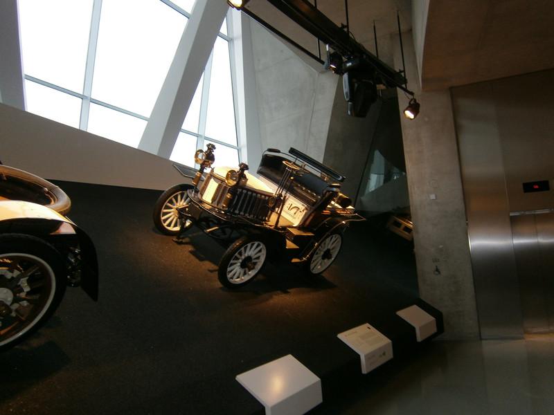 Im Mercedes-Benz Museum P9210112