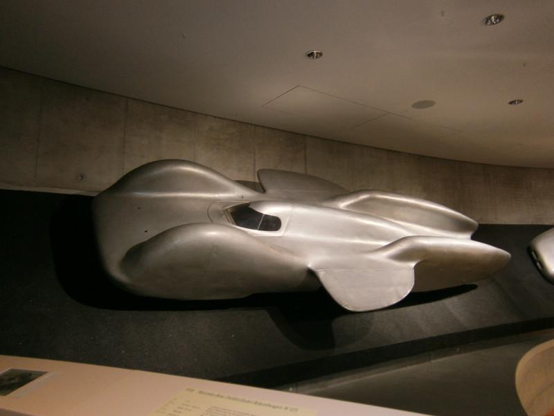 Im Mercedes-Benz Museum P9210116