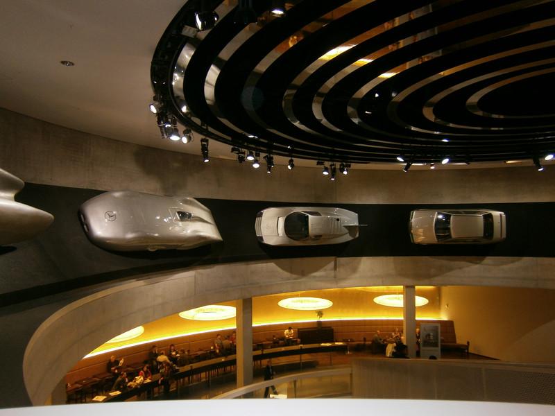 Im Mercedes-Benz Museum P9210117