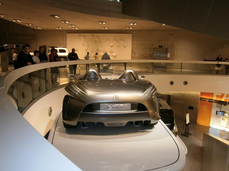 Im Mercedes-Benz Museum P9210123