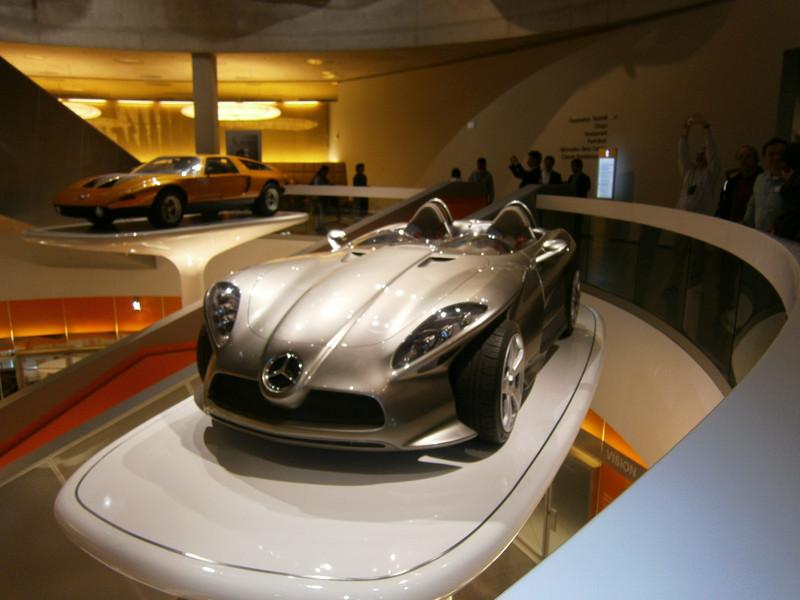 Im Mercedes-Benz Museum P9210125