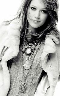 Hilary Duff - 200*320 Hillar11