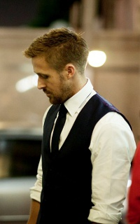 Ryan Gosling ▬ 200*320 Ryan310