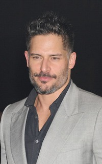Joe Manganiello ↔ 200*320 Viny210
