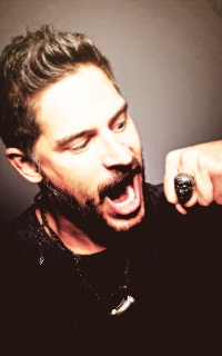 Joe Manganiello ↔ 200*320 Viny411
