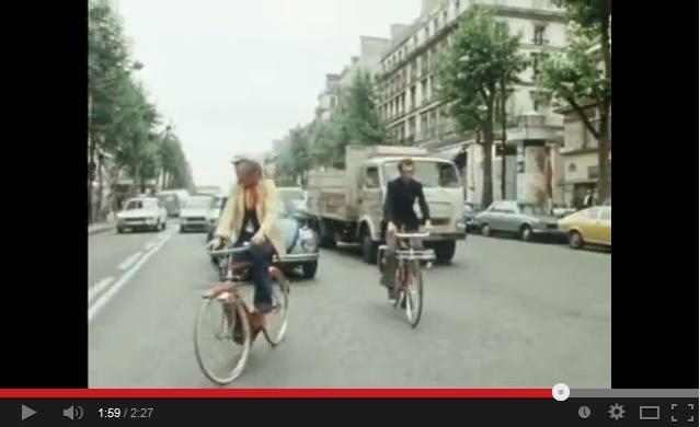 Une 17 et une 15 dans un clip de Renaud Sans_t69