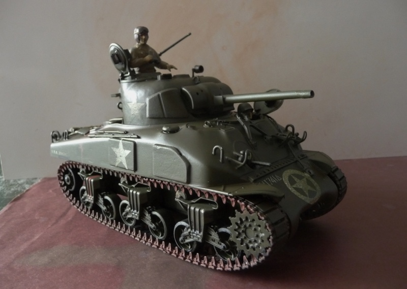 SHERMAN M4A1 canon de 75mm  - U.S.A. 1/35 Italeri + Tamiya P1050217