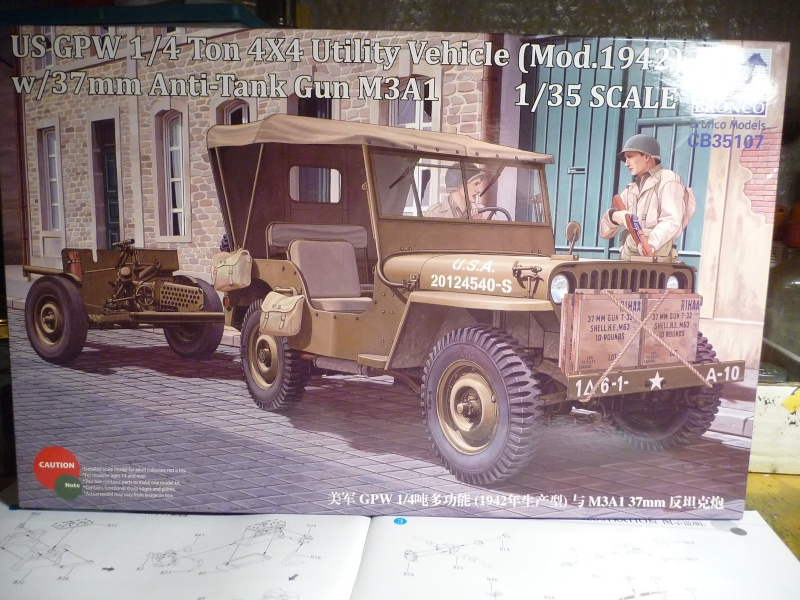 BRONCO - JEEP US 1/4 TON FORD modèle 1942 canon 37mm  anti chars M3A1 P1050313