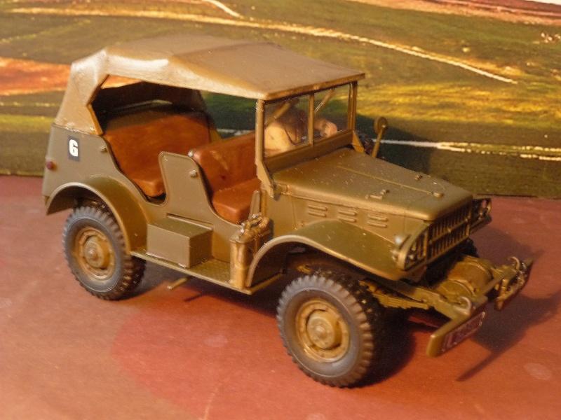 DERNIERE REALISATION 2013 -  1952- DODGE COMMAND CAR WC 56 du 8éme CUIR ITALERI au 1/35 réf= 228 P1050419