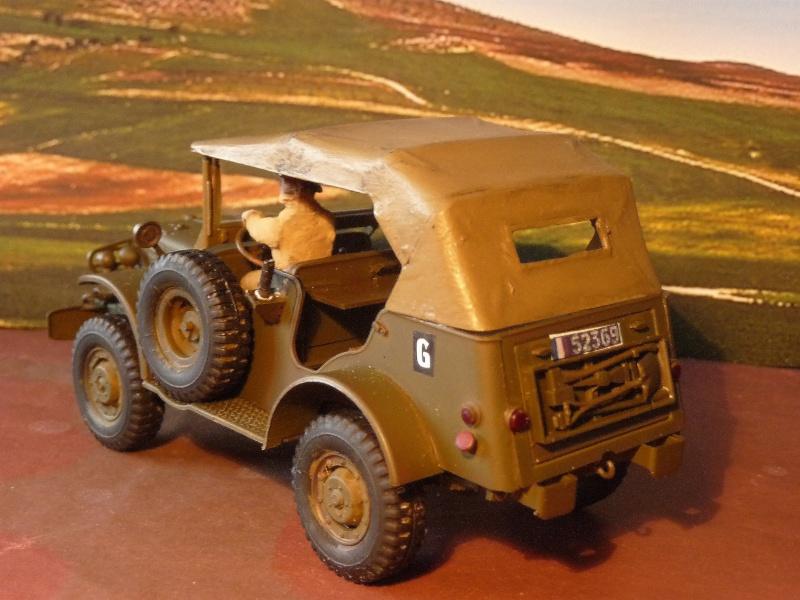 DERNIERE REALISATION 2013 -  1952- DODGE COMMAND CAR WC 56 du 8éme CUIR ITALERI au 1/35 réf= 228 P1050421