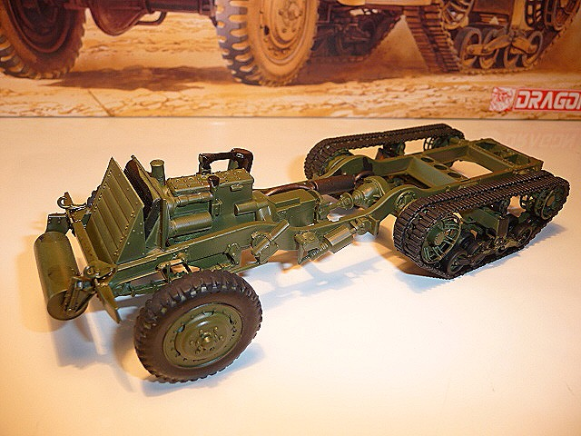 M 3 canon 75mm GUN MOTOR CARRIAGE  ( 2 )  DRAGON 1/35éme  P1050531