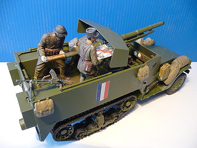 M 3 canon 75mm GUN MOTOR CARRIAGE  ( 2 )  DRAGON 1/35éme  P1050539