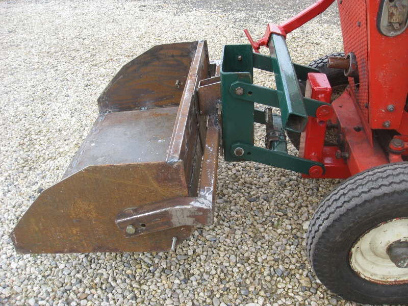 LAME AV POUR MICRO TRACTEUR - Page 3 Img_0426