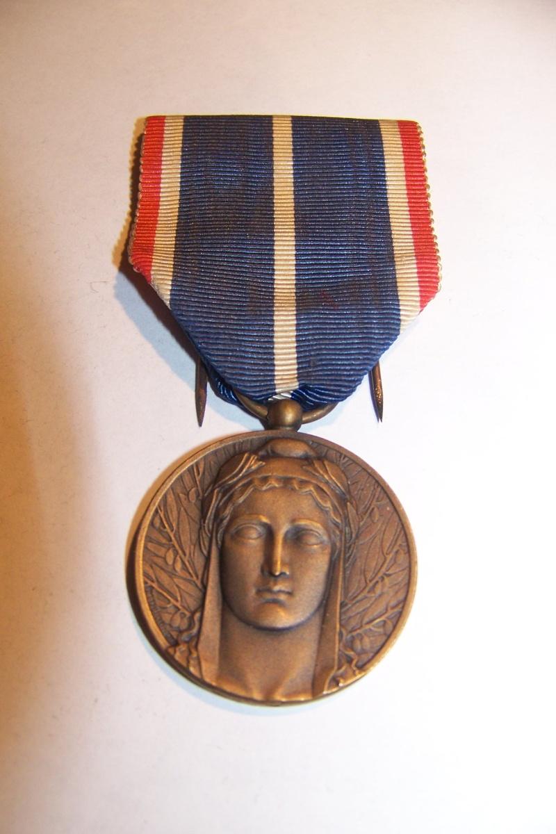 Médaille d'occupation de la Rhénanie et de la Ruhr 100_9920