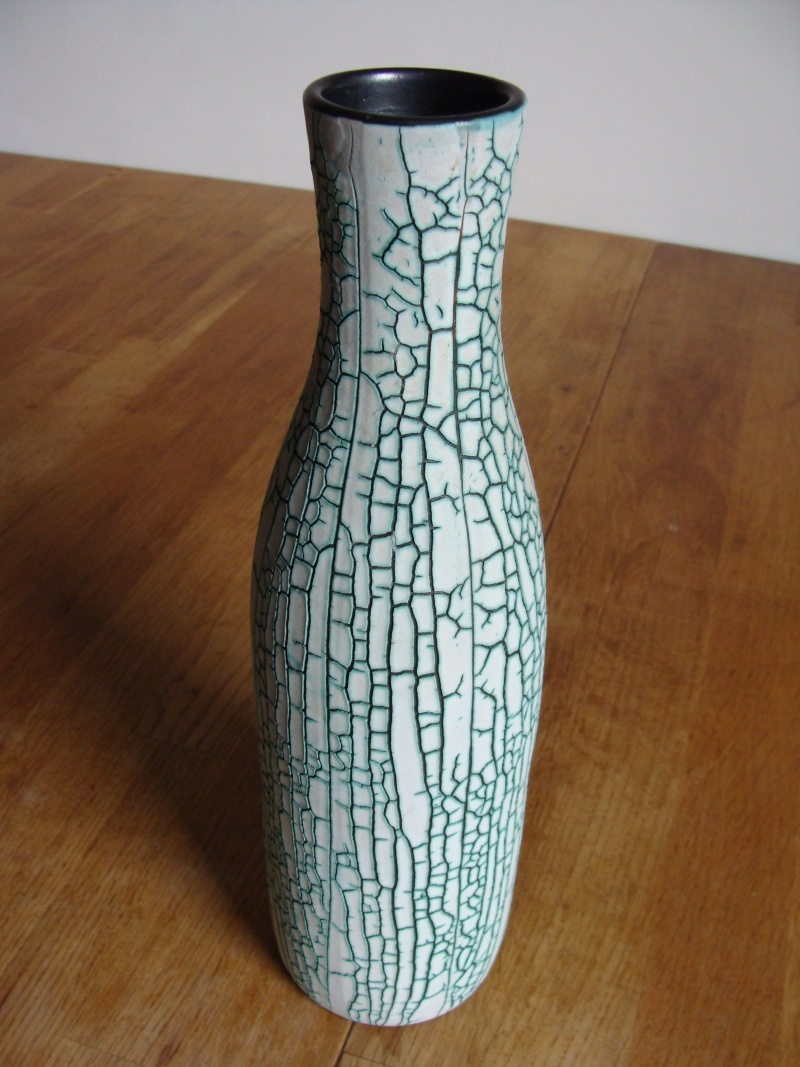 Green White Vase 23110