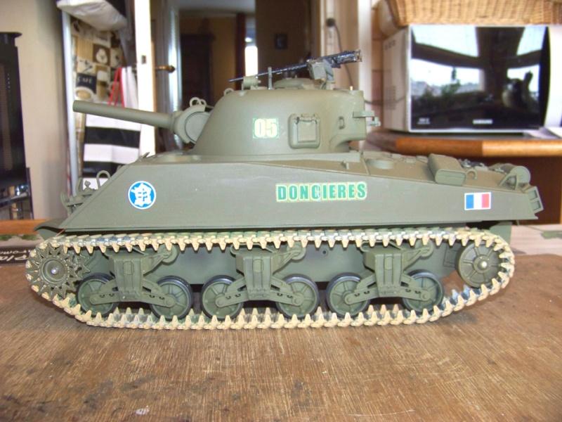 Sherman M4 A3 105 Howizer, 2e DB, 0/501e RCC, Heng long 100_2616