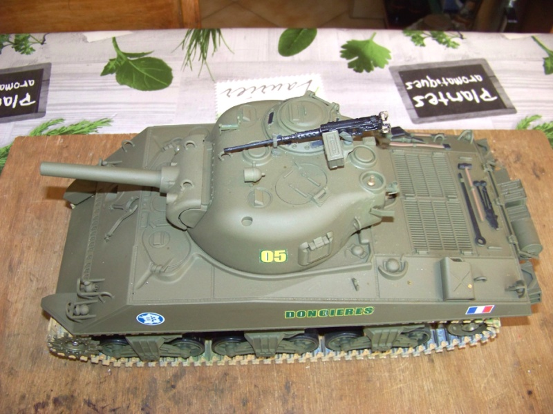 Sherman M4 A3 105 Howizer, 2e DB, 0/501e RCC, Heng long 100_2617