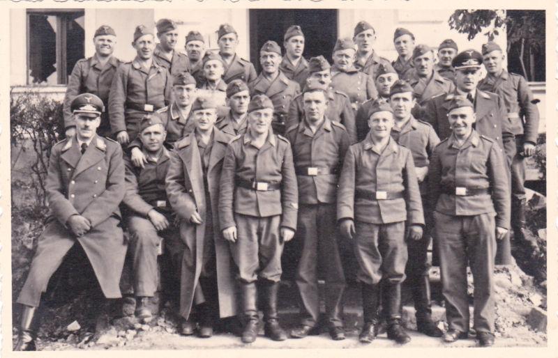 Soldats de la Luftwaffe - Page 3 Kgrhqm10