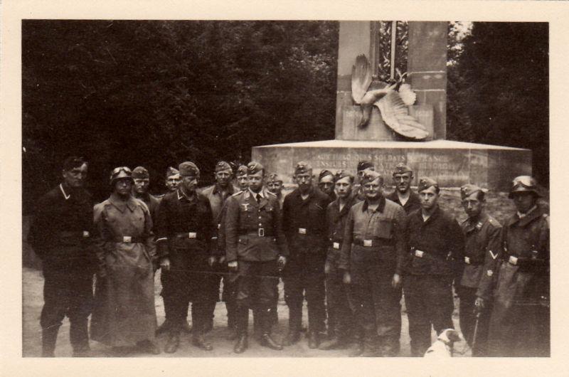 Soldats de la Luftwaffe - Page 3 Kgrhqr10