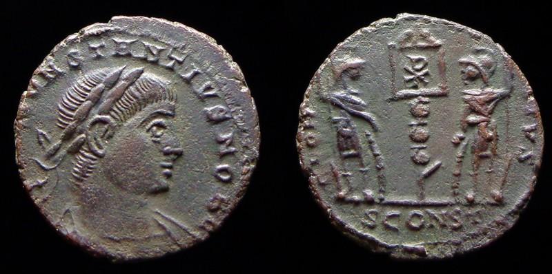 Quelques monnaies d'une collection constantinienne. Bsg910