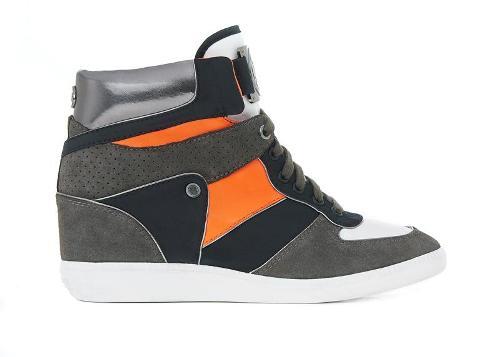 أحذية للأطفال من مايكل كورس Michae10