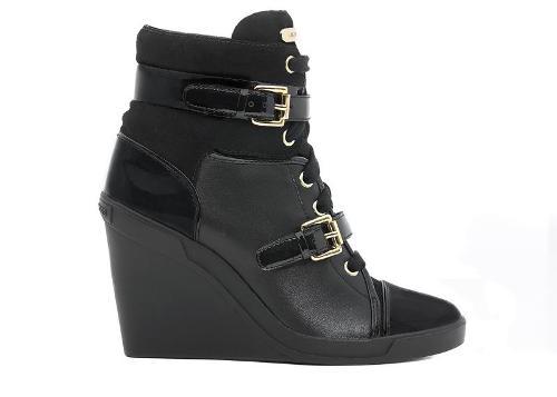 أحذية للأطفال من مايكل كورس Michae13