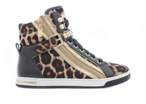 أحذية للأطفال من مايكل كورس Michae15