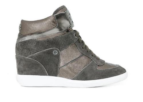 أحذية للأطفال من مايكل كورس Michae17