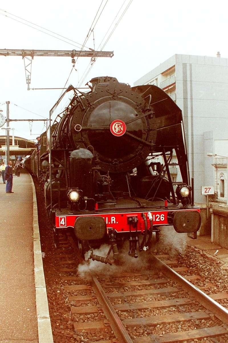 Pk 027,2 : Gare de Nimes (30) - 141 R 1126 NIMES Pict0017
