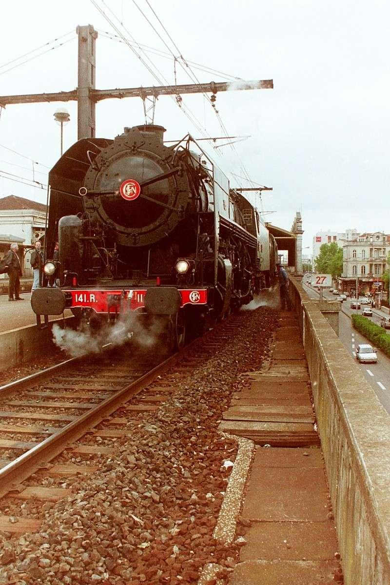 Pk 027,2 : Gare de Nimes (30) - 141 R 1126 NIMES Pict0018