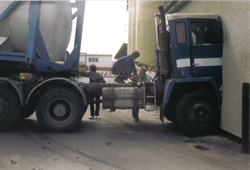 Jelcz C 620 mit Zremb CN-165 065010