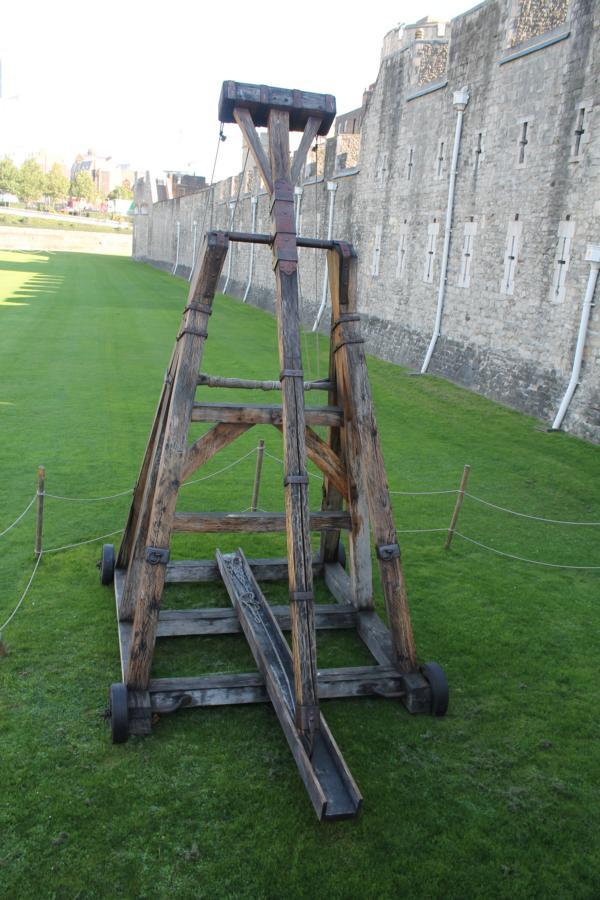 Tribok oder Trebuchet in Eigenkonstruktion aus Holz Img_1710